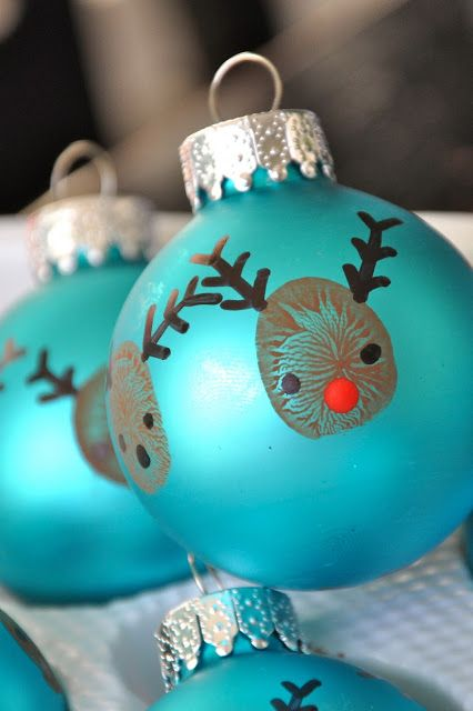 AD-Creative-Handprint-And-Footprint-Crafts-For-Christmas-02