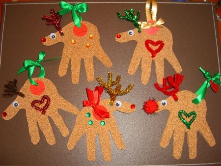 AD-Creative-Handprint-And-Footprint-Crafts-For-Christmas-11