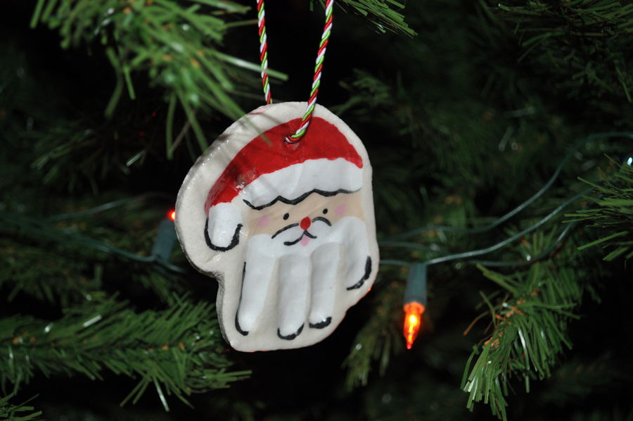 AD-Creative-Handprint-And-Footprint-Crafts-For-Christmas-22