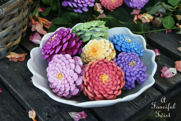 AD-Creative-Pinecone-Crafts-For-Your-Holiday-Decorations-10