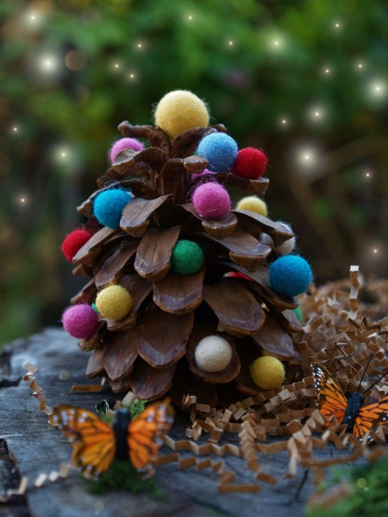 Pine Cone Christmas Decorations 40 Creative Pinecone Crafts For Your Holiday Decorations