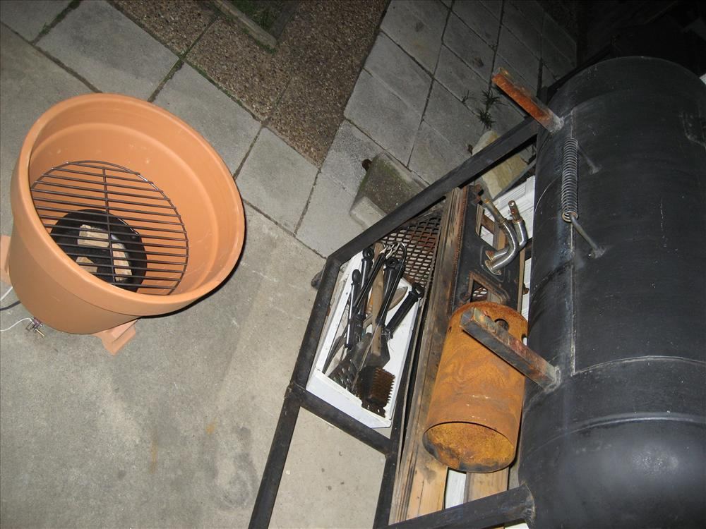 AD-DIY-Outdoor-Cooker-How-To-Build-A-Clay-Pot-Cooker-05-2