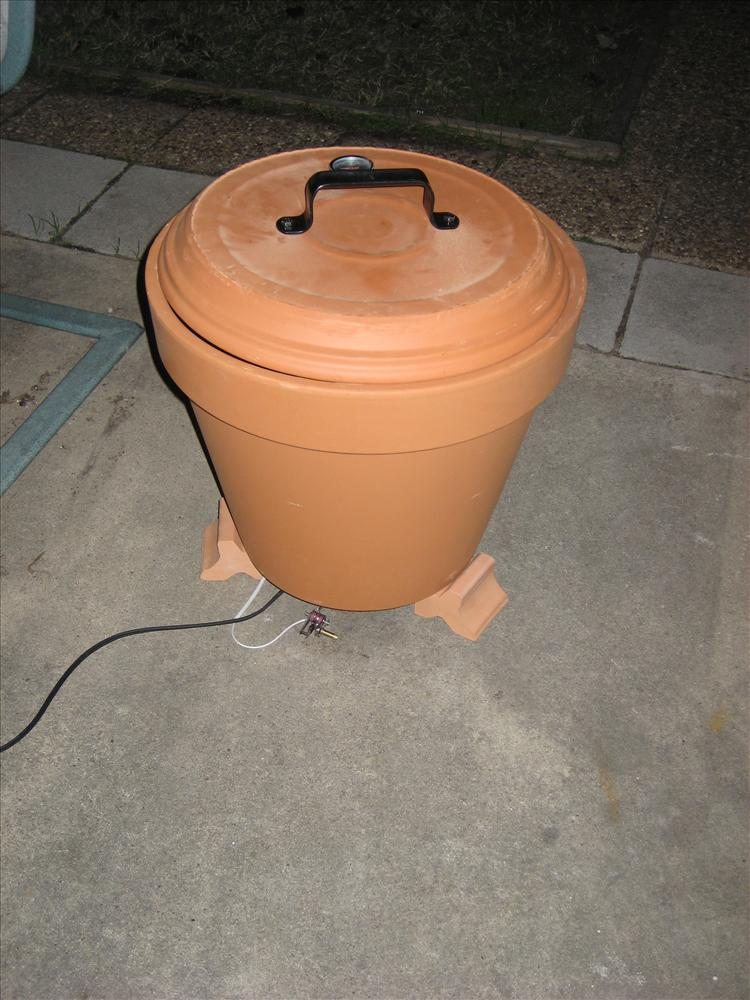 AD-DIY-Outdoor-Cooker-How-To-Build-A-Clay-Pot-Cooker-05-3