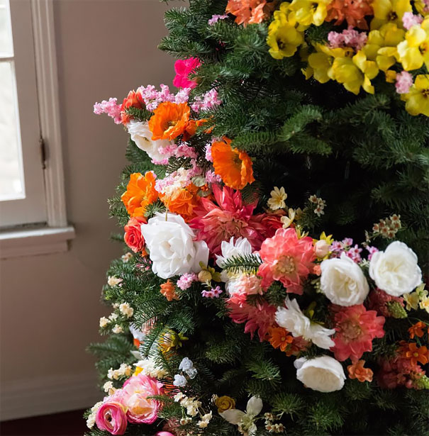 AD-Floral-Christmas-Tree-Decorating-Ideas-02-1