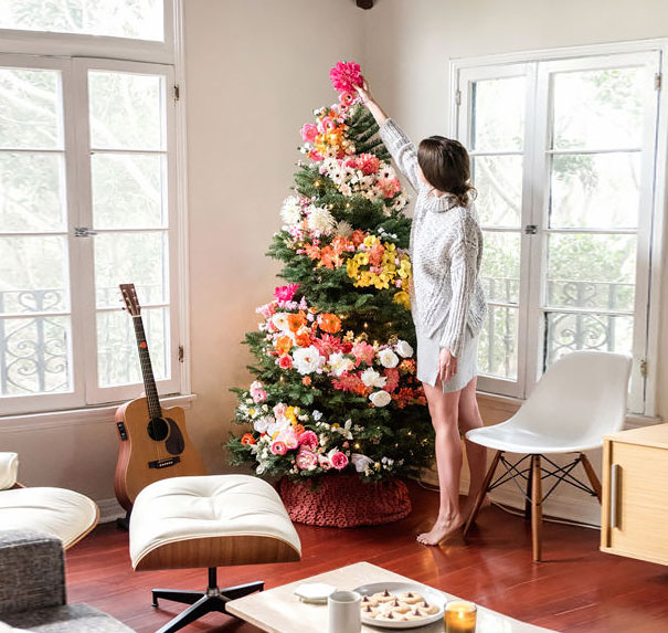AD-Floral-Christmas-Tree-Decorating-Ideas-02-2
