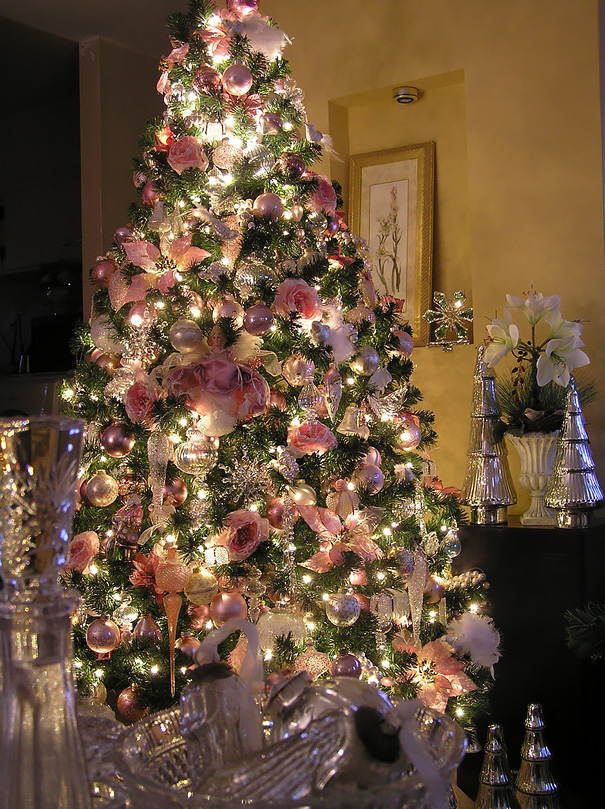 AD Floral Christmas Tree Decorating Ideas 03