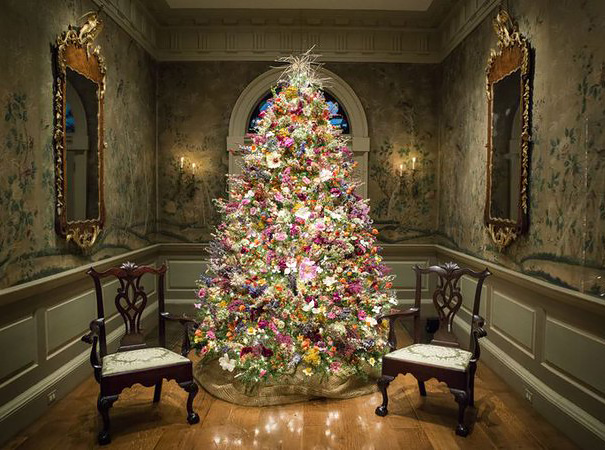 AD-Floral-Christmas-Tree-Decorating-Ideas-04