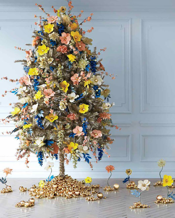 AD-Floral-Christmas-Tree-Decorating-Ideas-05