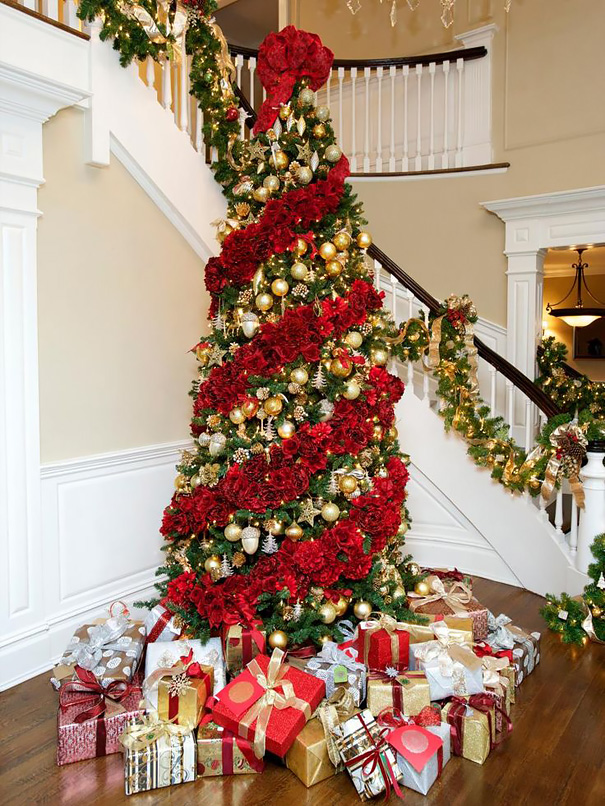 AD-Floral-Christmas-Tree-Decorating-Ideas-07