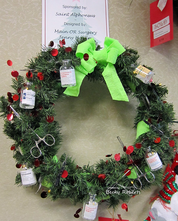 AD-Hospital-Christmas-Decorations-06