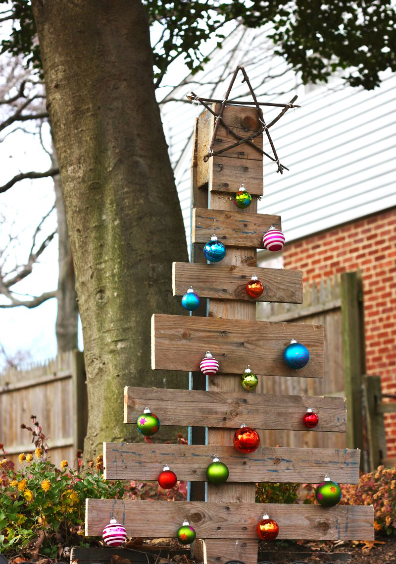 AD-Ideas-Of-How-To-Make-A-Wood-Pallet-Christmas-Tree-15