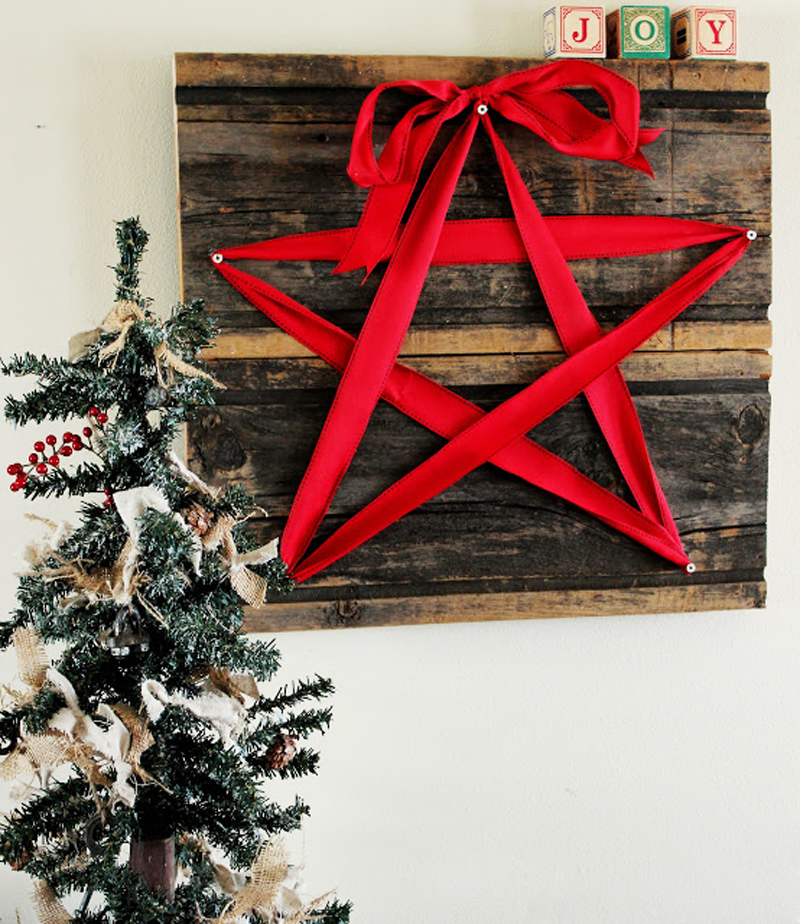 AD-Ideas-Of-How-To-Make-A-Wood-Pallet-Christmas-Tree-22