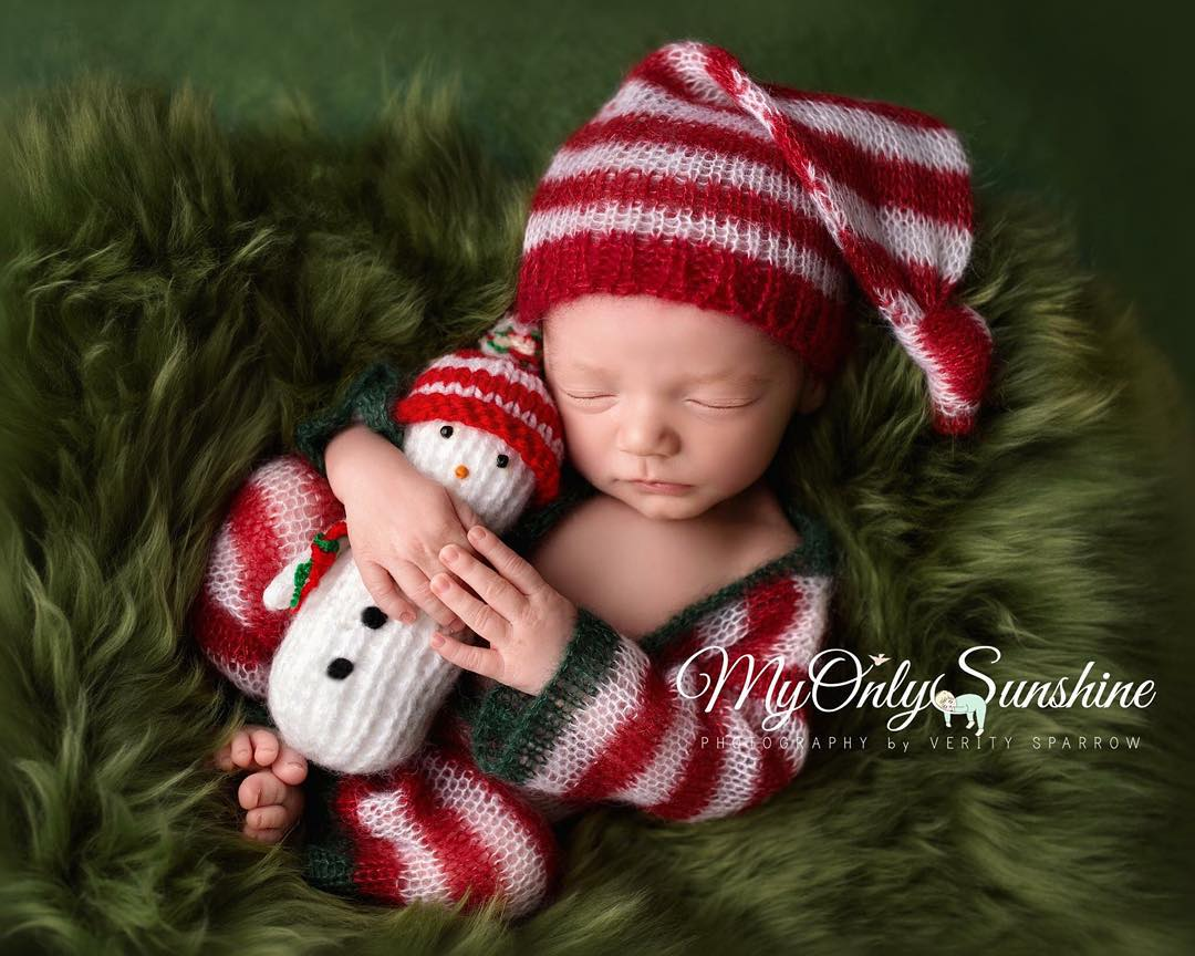 AD-Knitted-Christmas-Baby-Outfits-13