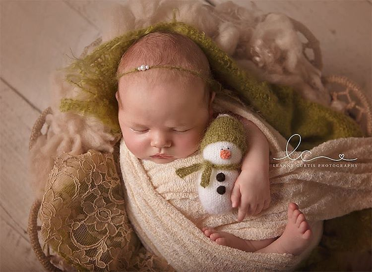 AD-Knitted-Christmas-Baby-Outfits-16
