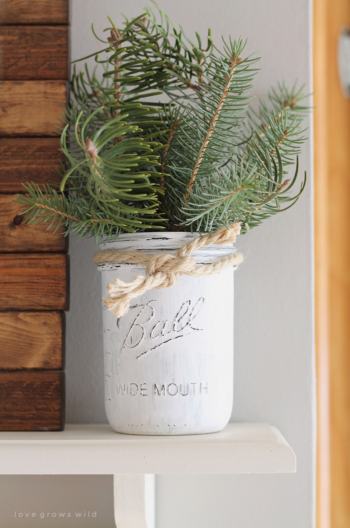 AD-Magical-Ways-To-Use-Mason-Jars-This-Christmas-09