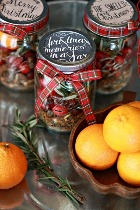 AD-Magical-Ways-To-Use-Mason-Jars-This-Christmas-01