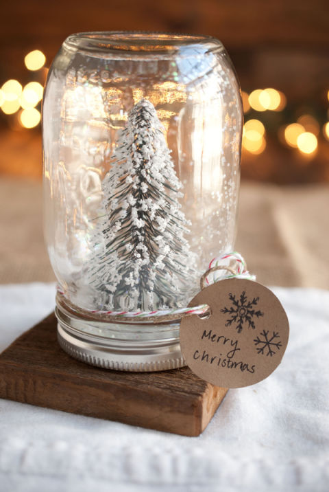 AD-Magical-Ways-To-Use-Mason-Jars-This-Christmas-07