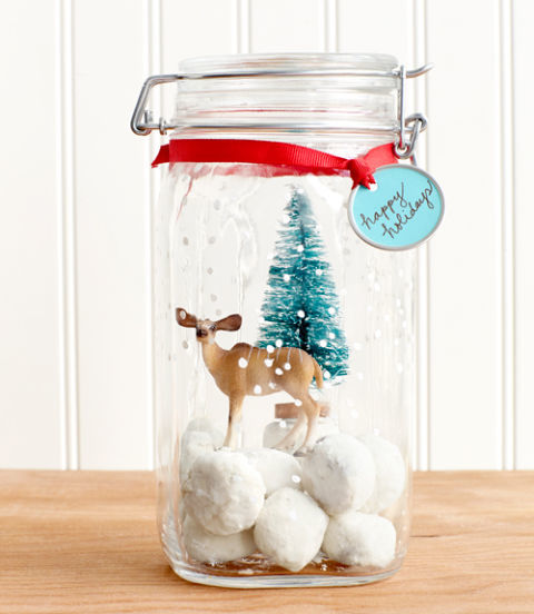 AD-Magical-Ways-To-Use-Mason-Jars-This-Christmas-11
