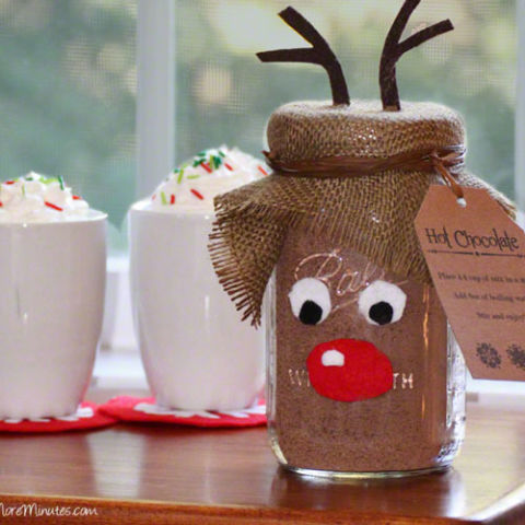 AD-Magical-Ways-To-Use-Mason-Jars-This-Christmas-24