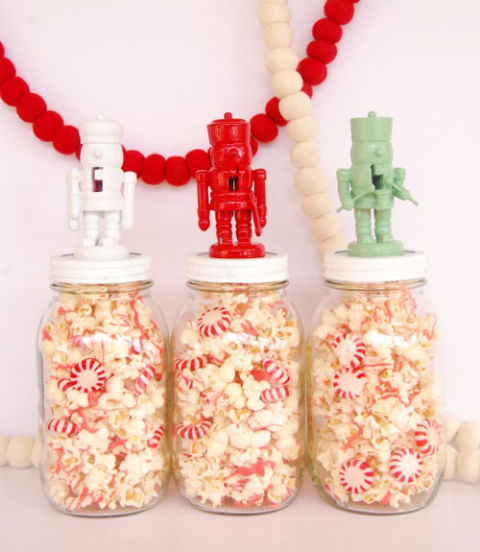AD-Magical-Ways-To-Use-Mason-Jars-This-Christmas-26