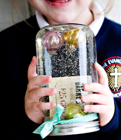 AD-Magical-Ways-To-Use-Mason-Jars-This-Christmas-34