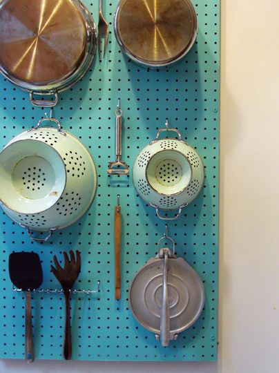 AD-Organization-And-Storage-Hacks-For-Small-Kitchens-16