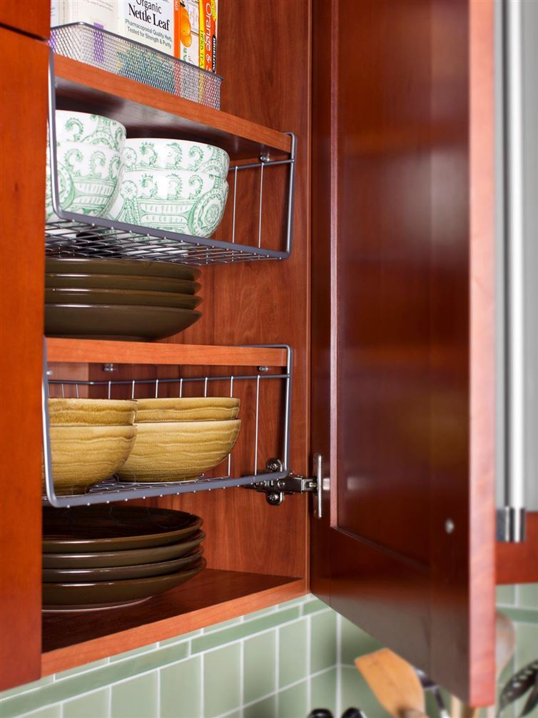 AD-Organization-And-Storage-Hacks-For-Small-Kitchens-25