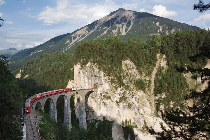 AD-Rhaetian-Railway-Albula-Bernina-Glacier-Express-Bernina-Express-UNESCO-01