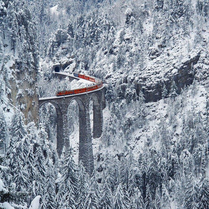 AD-Rhaetian-Railway-Albula-Bernina-Glacier-Express-Bernina-Express-UNESCO-02