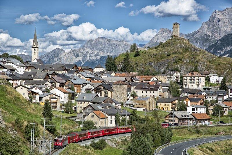 AD-Rhaetian-Railway-Albula-Bernina-Glacier-Express-Bernina-Express-UNESCO-03