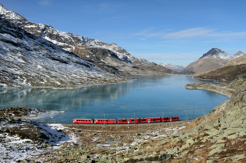 AD-Rhaetian-Railway-Albula-Bernina-Glacier-Express-Bernina-Express-UNESCO-04