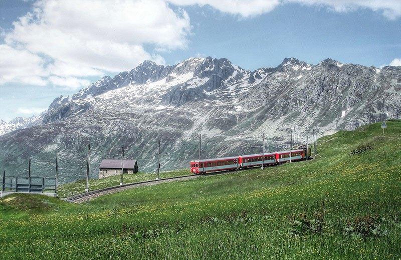 AD-Rhaetian-Railway-Albula-Bernina-Glacier-Express-Bernina-Express-UNESCO-05