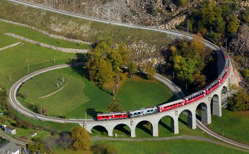 AD-Rhaetian-Railway-Albula-Bernina-Glacier-Express-Bernina-Express-UNESCO-06