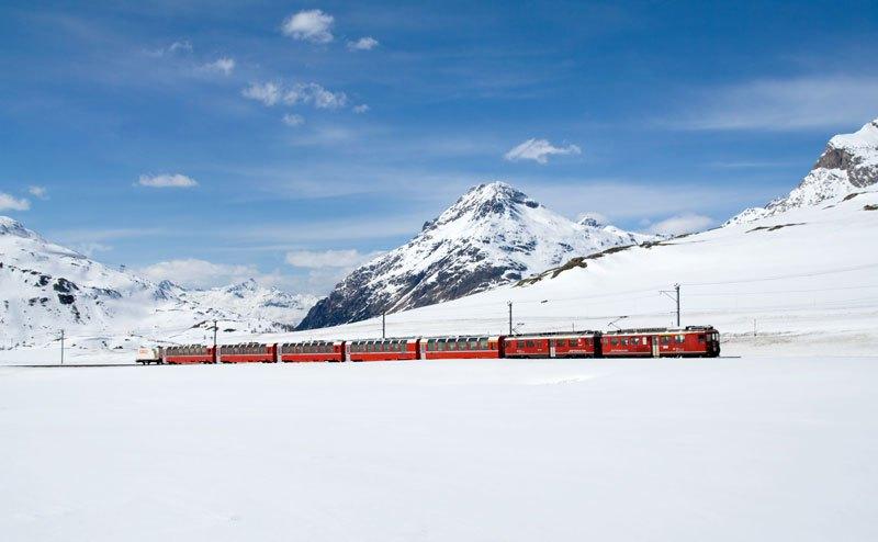 AD-Rhaetian-Railway-Albula-Bernina-Glacier-Express-Bernina-Express-UNESCO-12