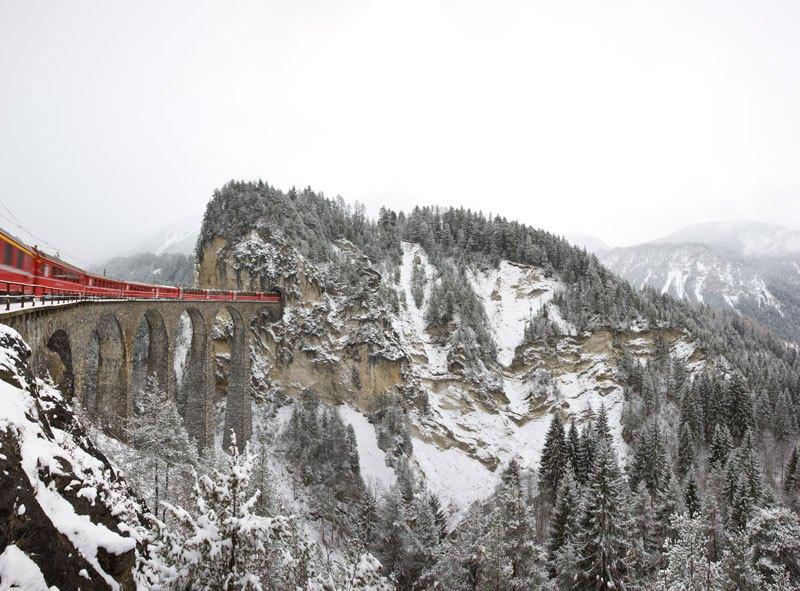 AD-Rhaetian-Railway-Albula-Bernina-Glacier-Express-Bernina-Express-UNESCO-13