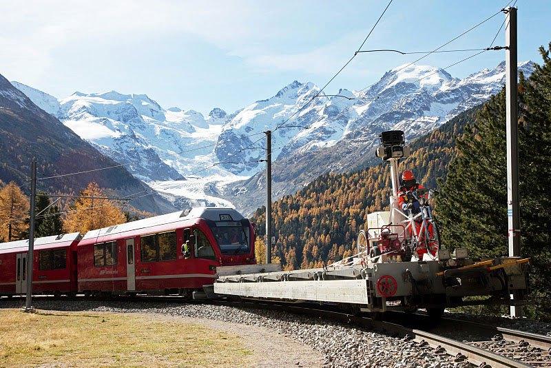 AD-Rhaetian-Railway-Albula-Bernina-Glacier-Express-Bernina-Express-UNESCO-15
