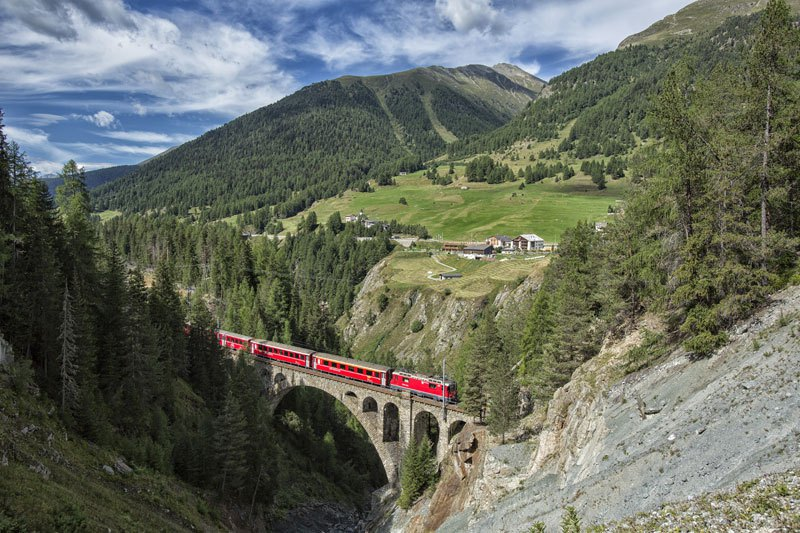 AD-Rhaetian-Railway-Albula-Bernina-Glacier-Express-Bernina-Express-UNESCO-16