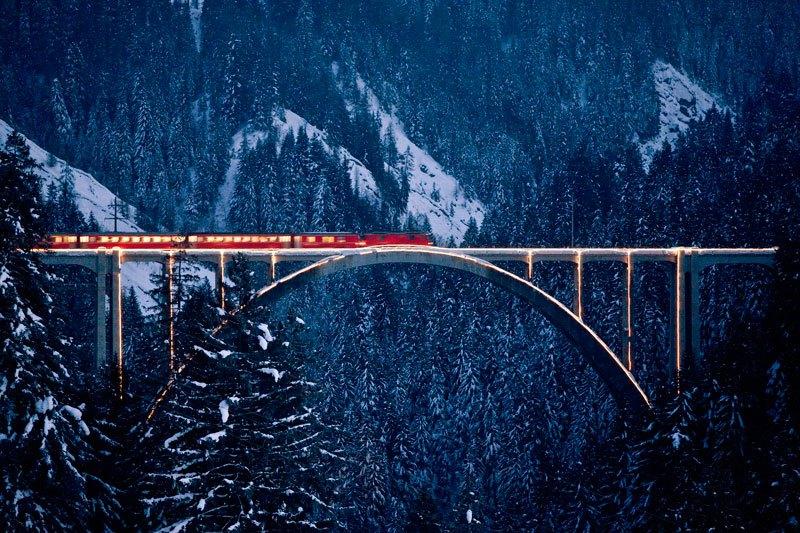 AD-Rhaetian-Railway-Albula-Bernina-Glacier-Express-Bernina-Express-UNESCO-17