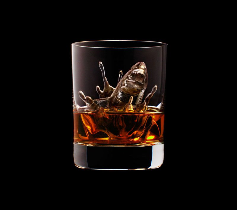 AD-Suntory-Whisky-Tbwa-Hakuhodo-Cnc-Milled-Ice-Cubes-3D-01