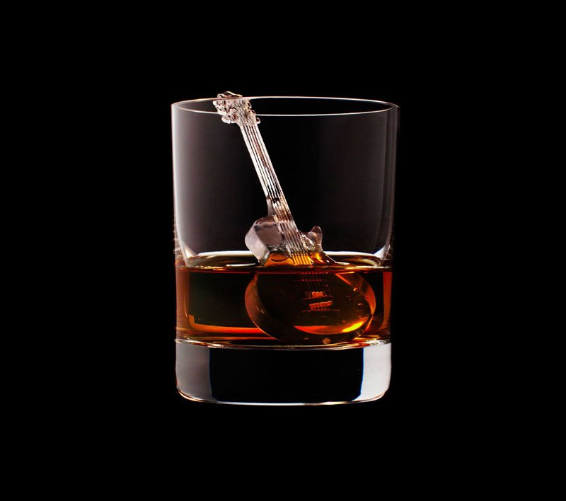 AD-Suntory-Whisky-Tbwa-Hakuhodo-Cnc-Milled-Ice-Cubes-3D-02