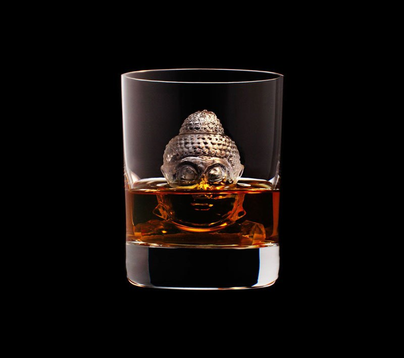 AD-Suntory-Whisky-Tbwa-Hakuhodo-Cnc-Milled-Ice-Cubes-3D-10