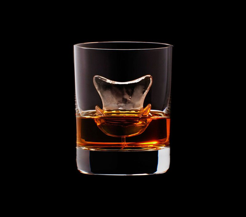 AD-Suntory-Whisky-Tbwa-Hakuhodo-Cnc-Milled-Ice-Cubes-3D-13