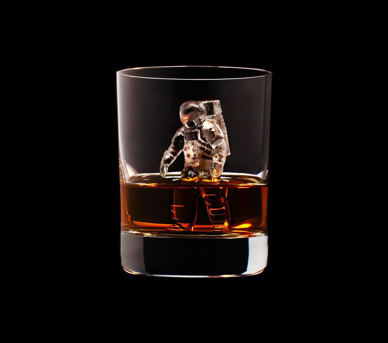 AD-Suntory-Whisky-Tbwa-Hakuhodo-Cnc-Milled-Ice-Cubes-3D-24