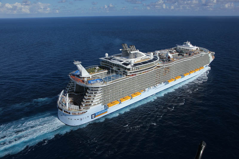 AD-Worlds-Biggest-Cruise-Ship-Allure-Of-The-Seas-Royal-Carribean-06