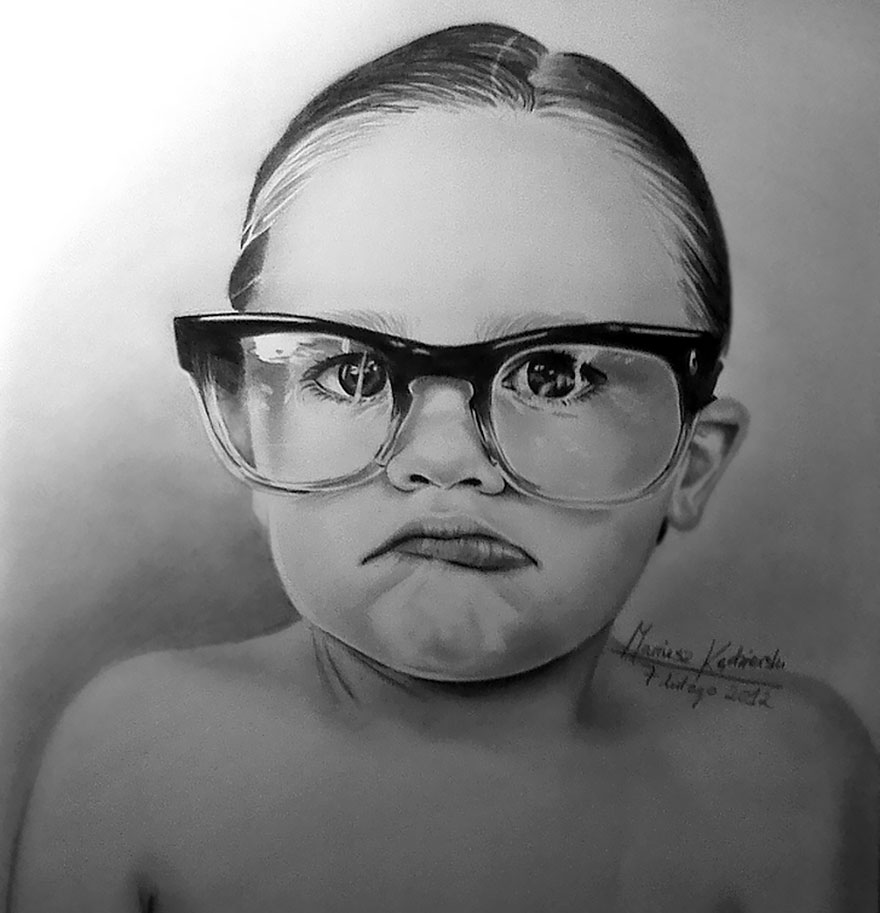 AD-Artist-Born-Without-Hands-Draws-Amazing-Realistic-Drawings-02