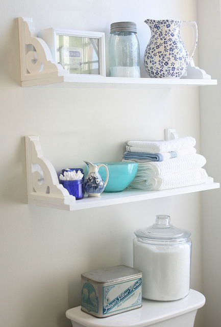 AD-Brilliant-DIY-Storage-And-Organization-Hacks-For-Small-Bathrooms-10