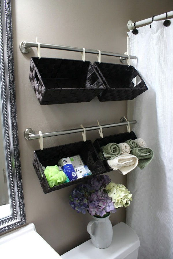 AD-Brilliant-DIY-Storage-And-Organization-Hacks-For-Small-Bathrooms-13
