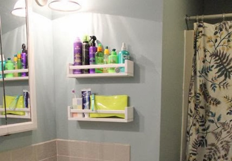 AD-Brilliant-DIY-Storage-And-Organization-Hacks-For-Small-Bathrooms-20
