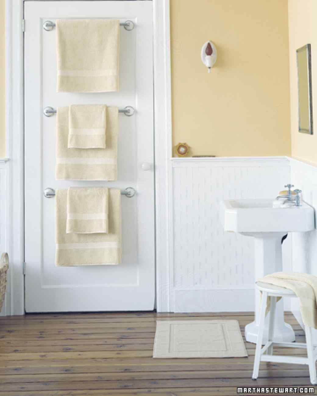 AD-Brilliant-DIY-Storage-And-Organization-Hacks-For-Small-Bathrooms-26