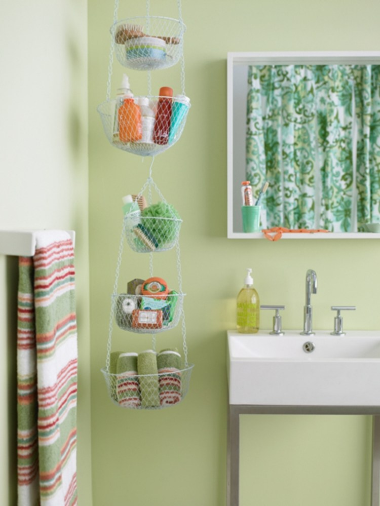 AD-Brilliant-DIY-Storage-And-Organization-Hacks-For-Small-Bathrooms-29